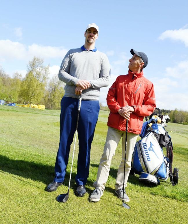 golfista molto alto
